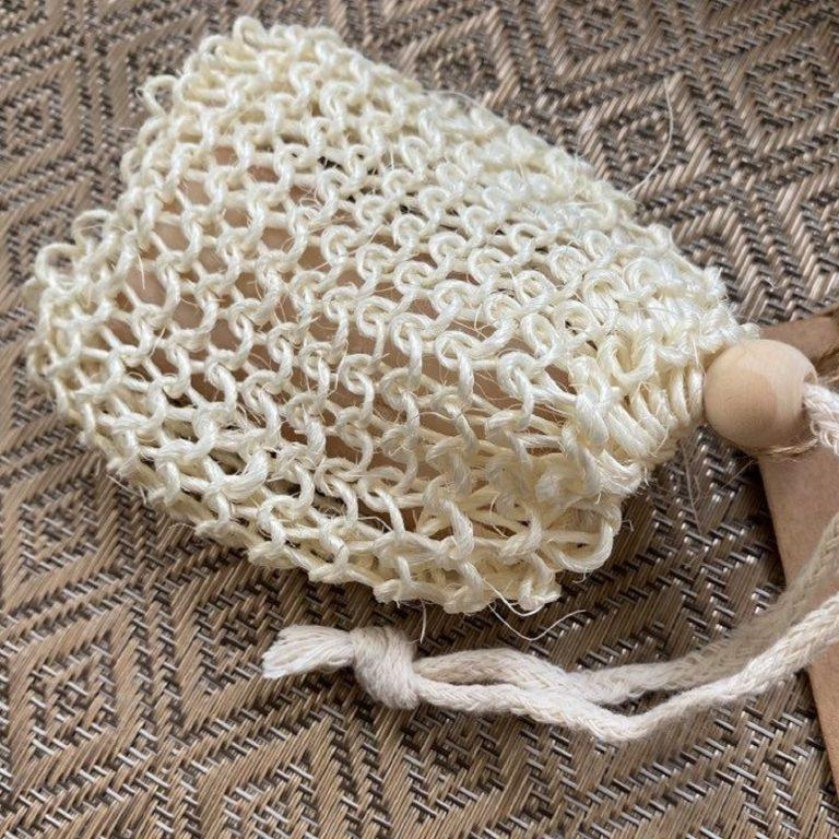 Pochette à savon en fibres naturelles de sisal. Utilisation en gant de crin et transport de vos savons lors de voyages