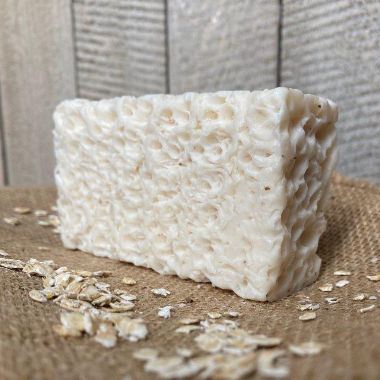 savon exfoliant au lait d'ânesse, poudre de riz avoine et blé. Doux et agréablement parfumé