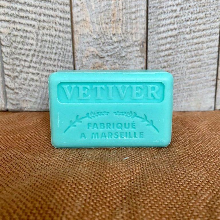 Savonnette de Marseille au beurre de karité parfumée au Vétiver